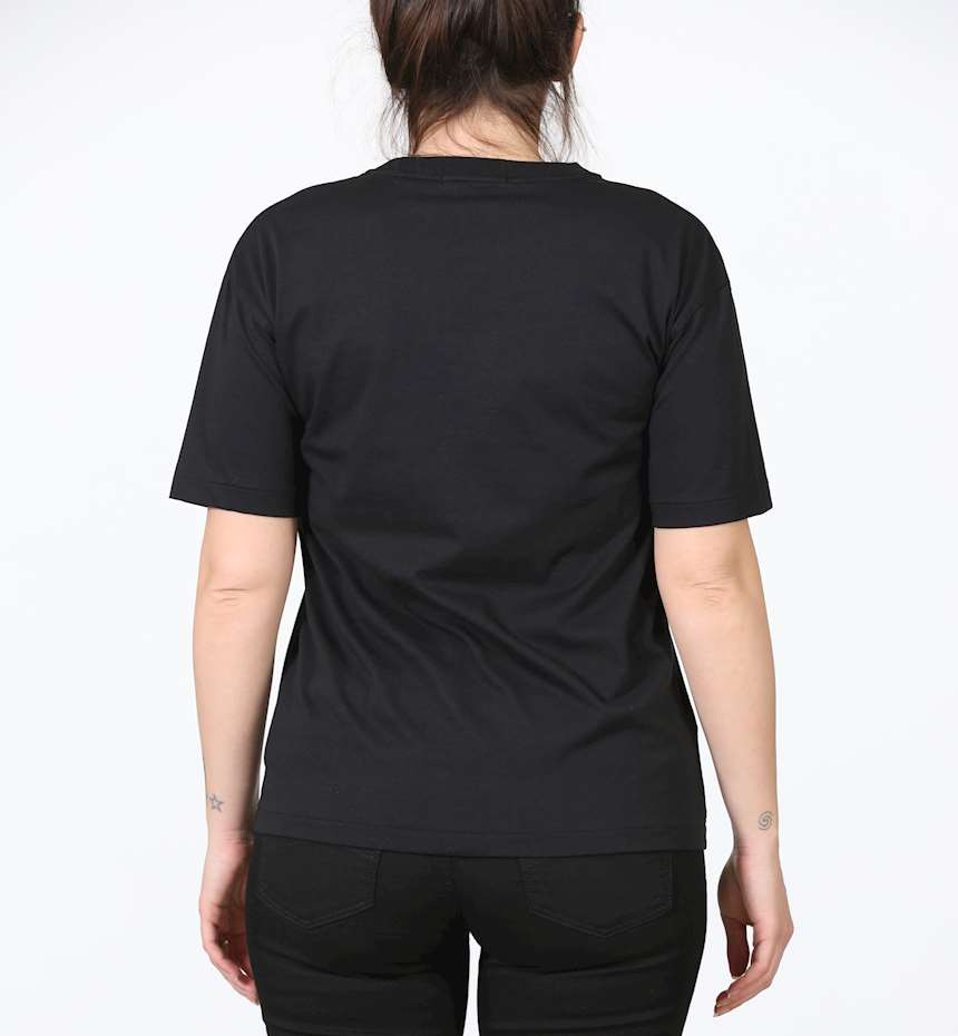 T-SHIRT FRED PERRY EMBROIDERED PANEL