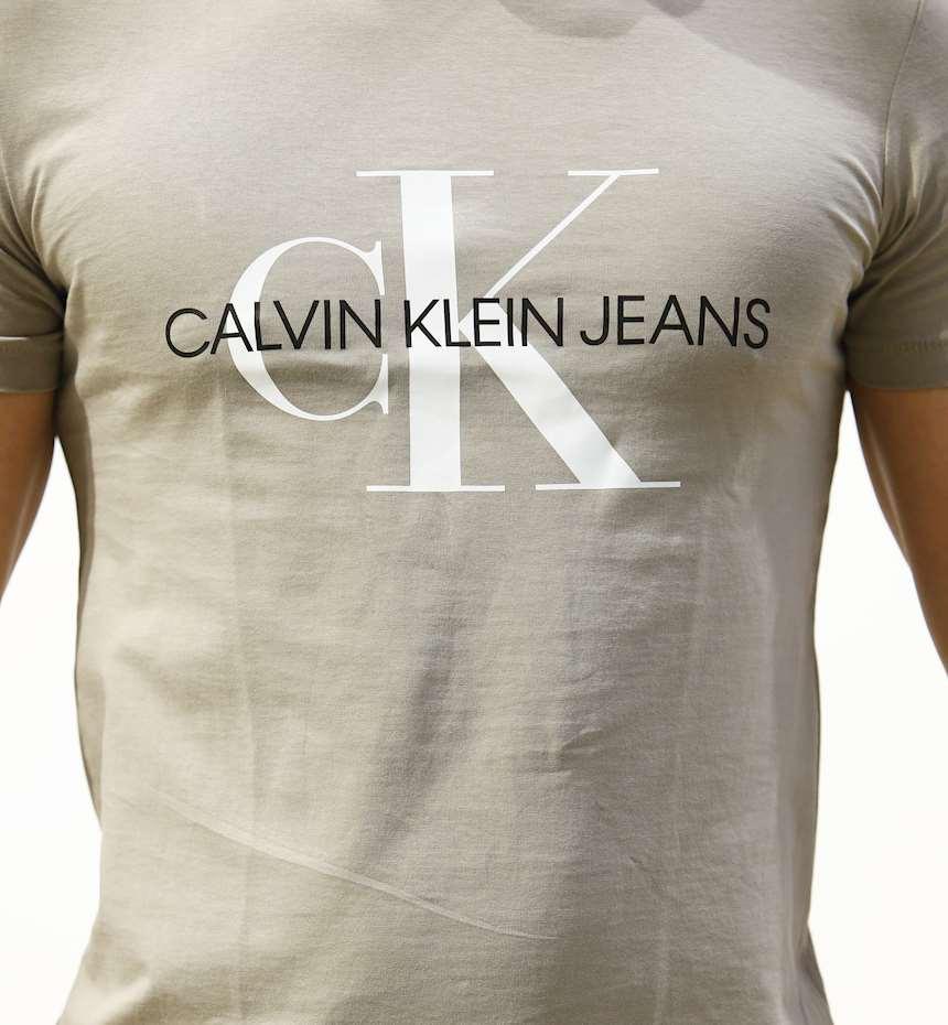 T-SHIRT CALVIN KLEIN SEASONAL MONOGRAM